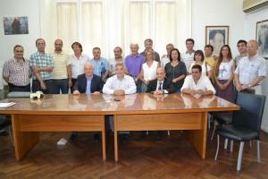Barrientos firmó convenios por accesos a Castilla y O´Higgins.
