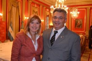Cristina Álvarez Rodríguez y Mauricio Barrientos.