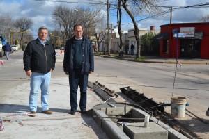 Barrientos recorrió las obras de Avenida Garay.