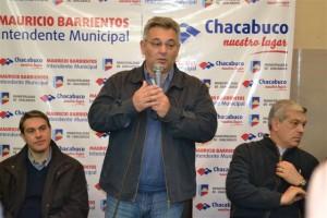 Golía, Barrientos y Domínguez en la entrega de becas y subsidios.
