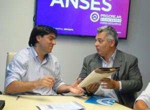 Barrientos firmó convenio con Bossio.
