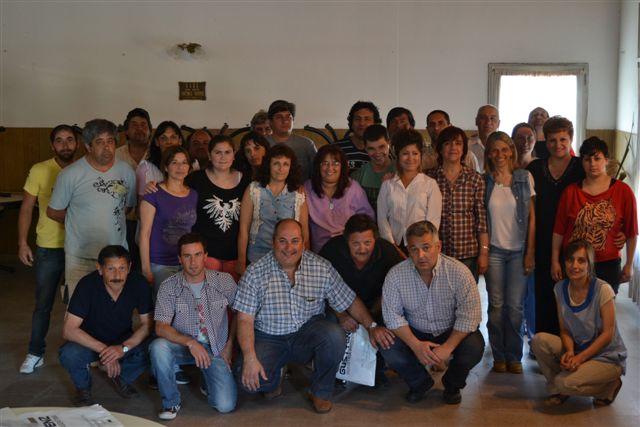 Barrientos junto a trabajadores municipales de Castilla.