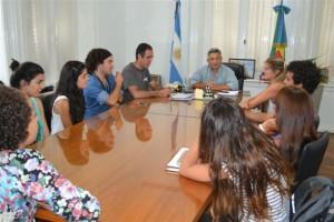Barrientos junto a integrantes del CECHLP.