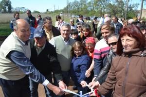 Barrientos inauguró cloacas en el Barrio Las Marías.