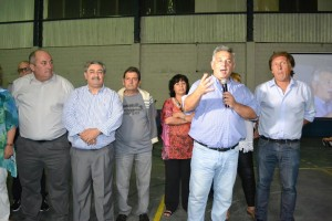 Barrientos saludó a los trabajadores municipales.