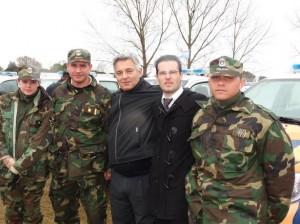 Barrientos junto al personal de la Patrulla Rural de Chacabuco que retiró la unidad.