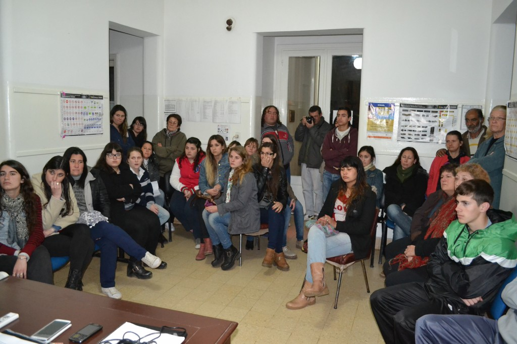 Alumnos asistentes a la reunión con Barrientos.