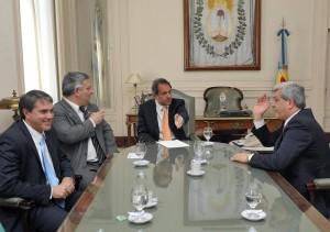 Golía, Barrientos, Scioli y Domínguez reunidos en La Plata.