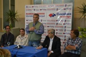 Simione; Golía, Barrientos, Domínguez y Geloso durante la entrega de subsidios.