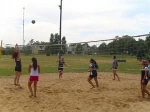 Escuela de beach vóley en Chacabuco.
