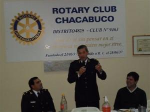 Benítez y Beatrice en el Rotary Club Chacabuco.