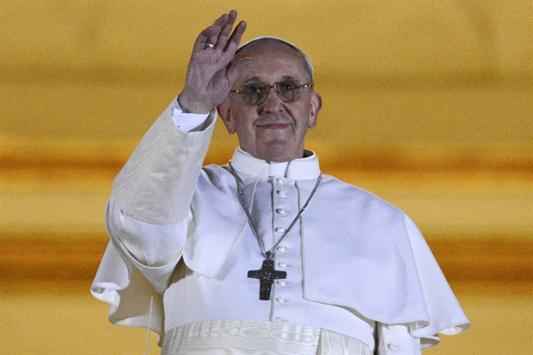 Jorger Bergoglio apenas nombrado Papa. Desde ahora Francisco.