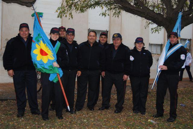 Integrantes del Cuerpo Activo de Bomberos Voluntarios de Rawson: Foto gentileza Beto Verde.