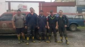 Personal de Bomberos Voluntarios de Rawson que participó del apoyo médico.