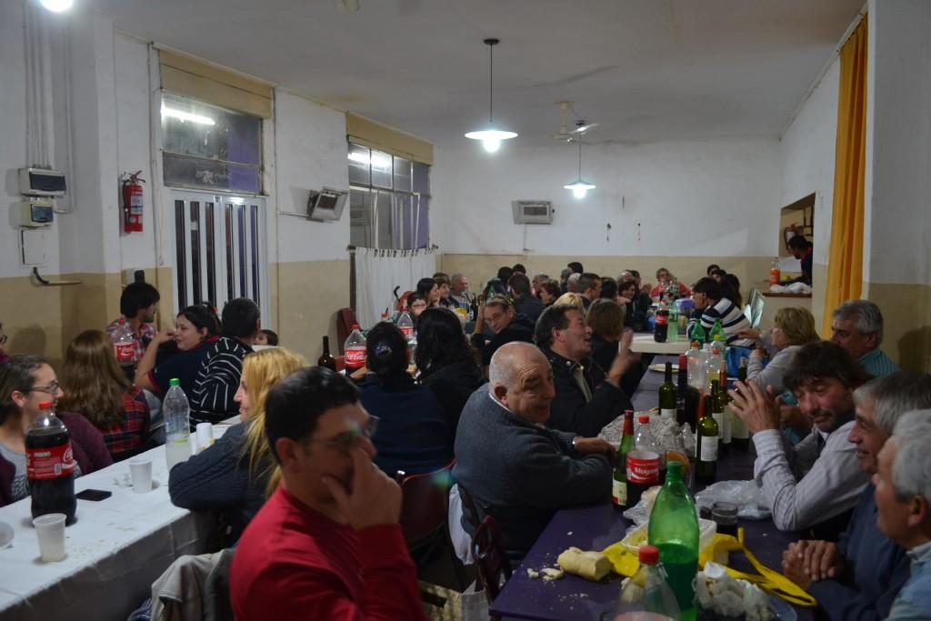 Parte de los asistentes a la cena.