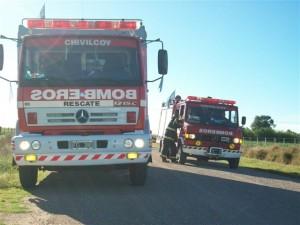 Bomberos Voluntarios de Chivilcoy trabjaron en el lugar.