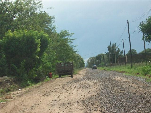 Escoria ya colocada en calle Belgrano entre Mitre y Córdoba.