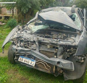 Estado en que quedó la Renault Oroch de Elizalde tras chocar con un caballo.