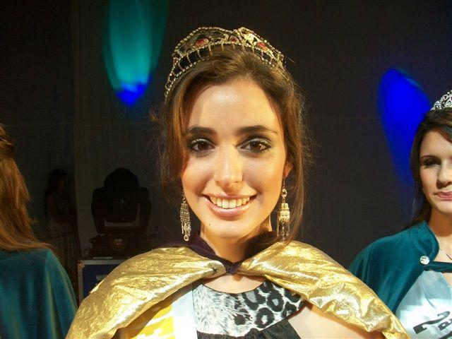 Carina Cataldo, Reina de la XXVIII Fiesta Provincial de la Primavera de Rawson.