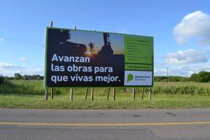 Uno de los carteles ubicado en Acceso a Rawson y calle Romano Cano.