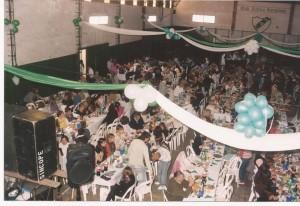 Almuerzo 82º Aniversario en el gimnasio de la Institución.