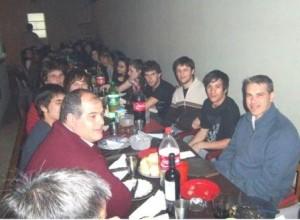 Golía en la cena con los estudiantes del CECHLP.
