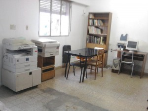 En la imagen la nueva fotocopiadora adquirida por el Centro de Estudiantes de Chacabuco en La Plata.