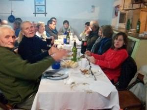 Otra imagen de los asistentes a la cena.