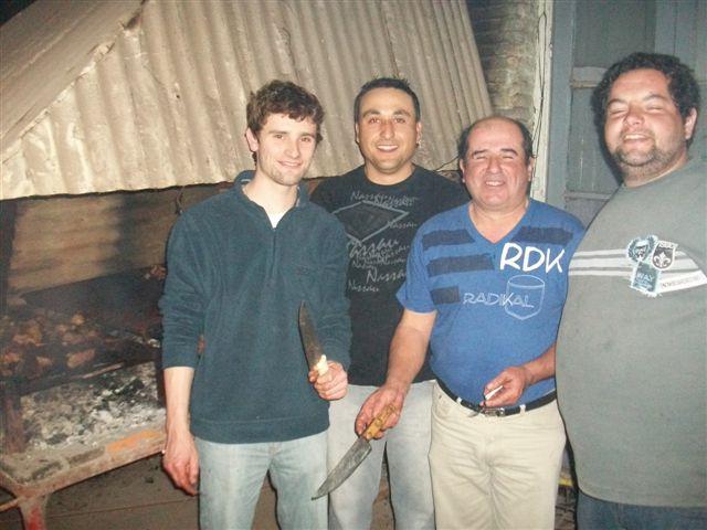 Los asadores fueron Santiago Piccone, Fabián Márquez, Sarmiento y Leandro Quevedo.