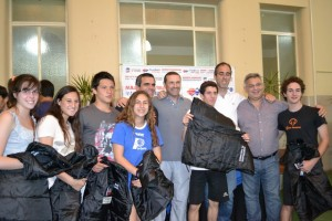 Entregaron chalecos para los Juegos Buenos Aires 2012.