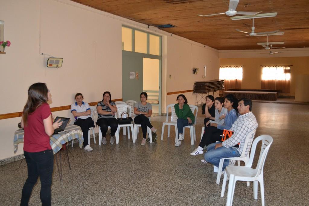 Asistentes a la charla en el Centro de Jubilados.