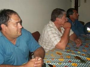 El Jefe de Bomberos Voluntarios de Rawson Zanlonghi acompañado por Martínez y Fernández.