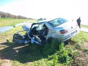 Estado en que había quedado el Peugeot 306 que era conducido por Pascual Linardi  de Junín.