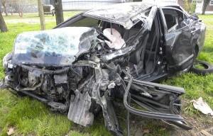Estado en que quedó el auto de Peloso.