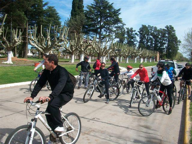 20 ciclistas de Rawson en el cicloturismo a San Patricio.