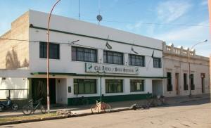 Sede social del Club Sarmiento de Rawson.