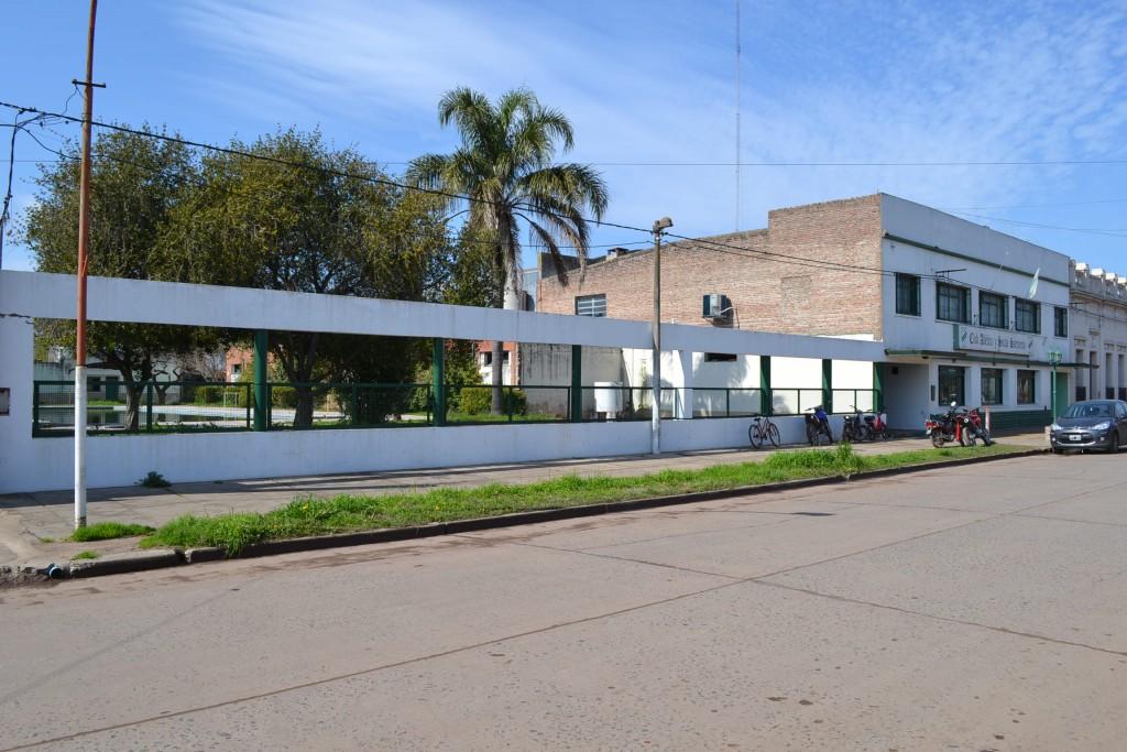 26/8/15- Hoy, es el 89º aniversario del Club Atlético y Social Sarmiento de Rawson, que fuera fundado un 26 de agosto de 1926, siendo su primer presidente, el señor Pedro Stefanelli y en la actualidad, es presidido por la señorita Liliana Millán.