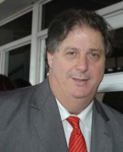 Dr. Alejandro Collia.