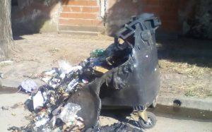 Contenedor quemado.