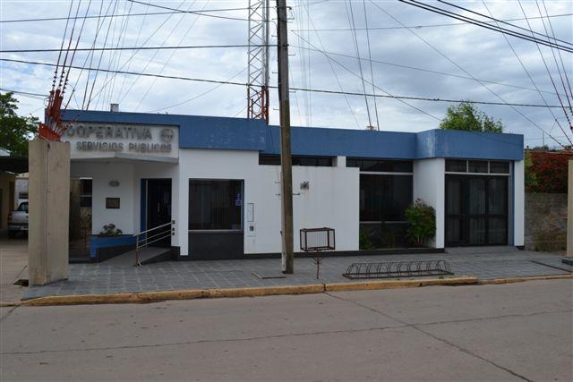 16/3/14- Sede social de la Cooperativa de Agua Potable, Teléfonos y Otros Servicios públicos de Rawson Ltda., ubicada en calle 25 de Mayo. En la actualidad el consejo de administración es presidido por Teresa Grennon.