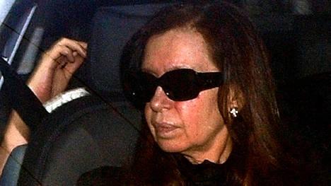 Cristina hoy, al entrar a la Fundación Favaloro.