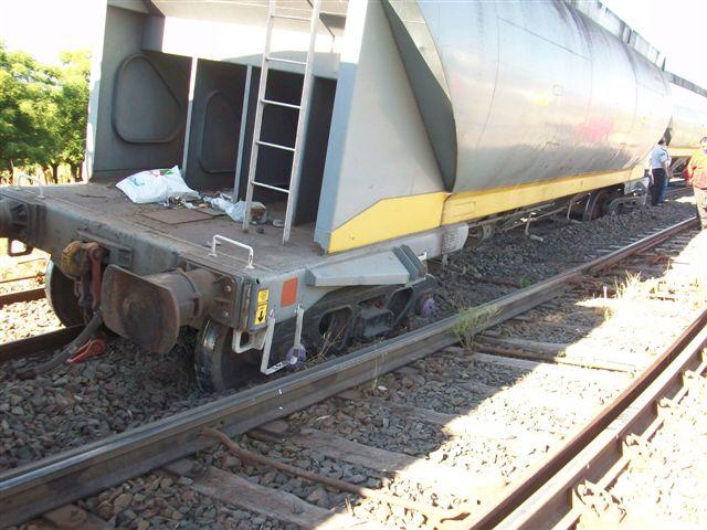 El descarrilo se produjo en el kilómetro 172, llegando a Estación Rawson.