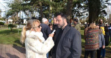 Aiola durante la nota con Mónica del Castillo
