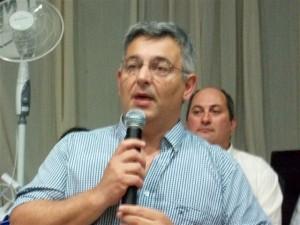 Dr. Mauricio Barrientos.