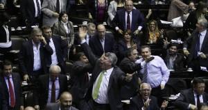 Polémica y escándalo en Diputados durante el debate de la reforma judicial K.