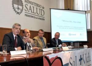 Domínguez, y su par de la cartera de Salud, Manzur, firmaron  convenio marco con la Coordinadora de las Industrias de Productos Alimentarios (COPAL).