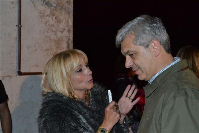12/11/13- En la imagen se observa a Mónica del Castillo entrevistando para LRM 369 FM Sobre Nivel de Rawson a Julián Domínguez en el marco de la XXX Fiesta Provincial de la Primavera, llevada a cabo el pasado fin de semana.