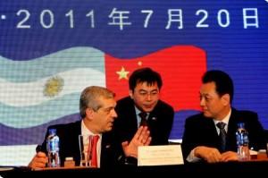 Domínguez disertó ante empresarios chinos.