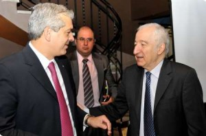Julián Domínguez y el econoista Bernardo Kliksberg.