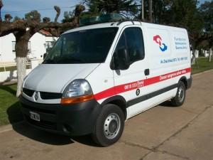 Una de las ambulancias de la Fundación Hemocentro Buenos Aires para el traslado de la sangre donada.